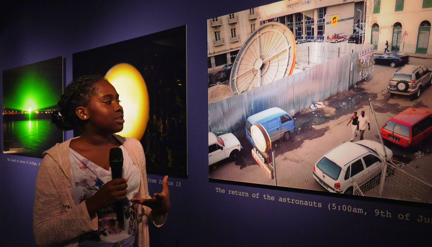 """YOUNGSTERS Reporter in der Ausstellung """"Afro-Tech and the Future of Re-Invention"""""""