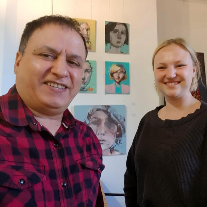 Houssein Khorrami vom Iranischen Informations- und Kulturzentrum Essen mit Olga Felker beim Podcast