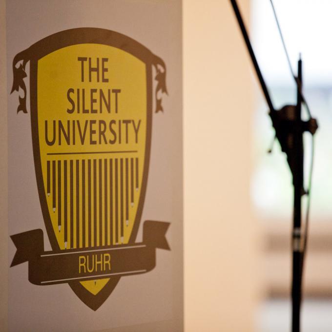 Rednerpult in der Silent University