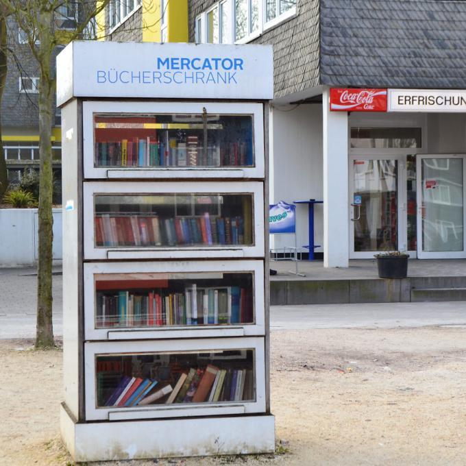 Mercator Bücherschrank auf dem Brunnenplatz