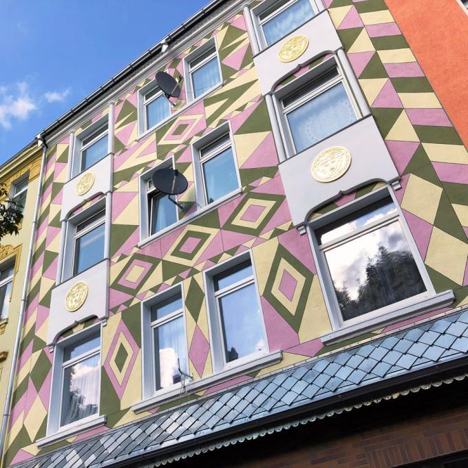 Hausfassade in der Schleswiger Straße