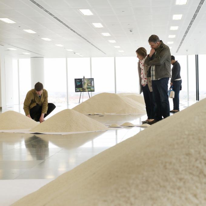 """Die Silent University Ruhr hat an der Mülheimer Edition der Installation """"Of all the People in all the World"""" von Stan's Cafe mitgewirkt"""