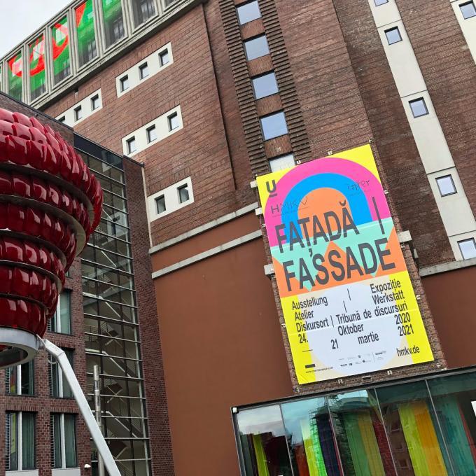 Ausstellung Faţadă / Fassade, HMKV, Dortmunder U. Foto: Guido Meincke