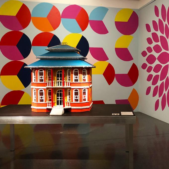 Ausstellung Faţadă / Fassade, Hausmodell. Foto: Guido Meincke