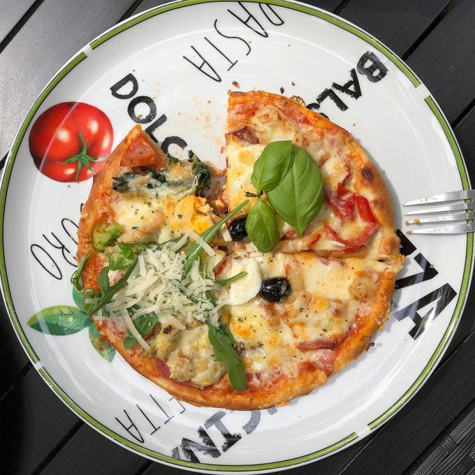 Pizza Pangaea in der Pizzeria Portofino, Duisburg