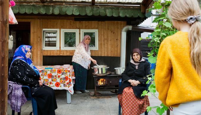 Aşure-Kochen mit Gönül, Şişe, Bilor und Rosa Feride