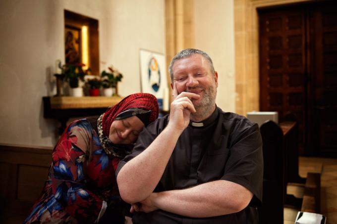 Nursel Kayikci und Pater Oliver. Foto: Fatih Kurceren