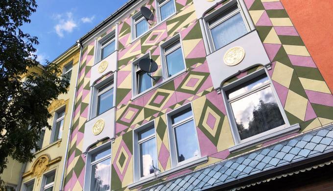 Hausfassade in der Schleswiger Straße. Foto: Guido Meincke