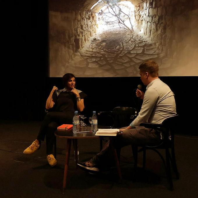 """Heba Amin und Michael Andreas im Werkstattgespräch zum Projekt """"The Devil's Garden"""". Foto: Guido Meincke"""