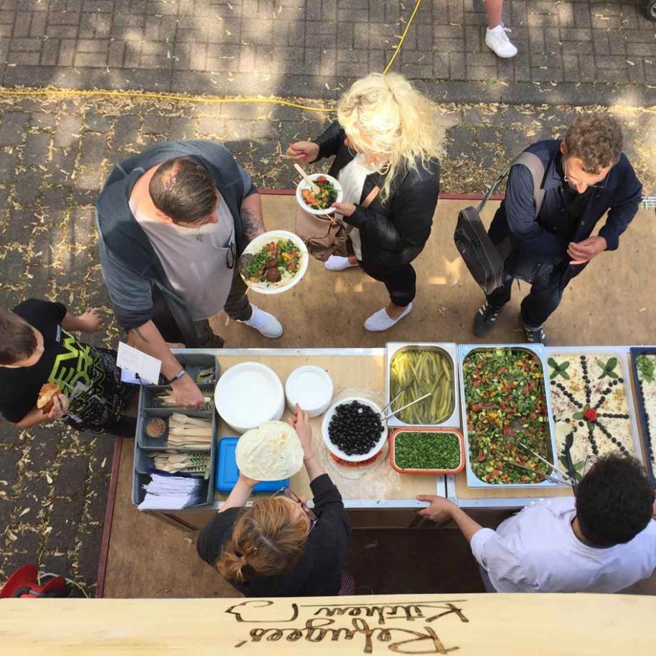 Refugees' Kitchen beim Straßenfest in Eisenheim 2017