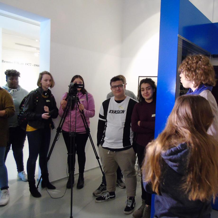 Gruppenführung in der Dauerausstellung des Jüdischen Museums Westfalen