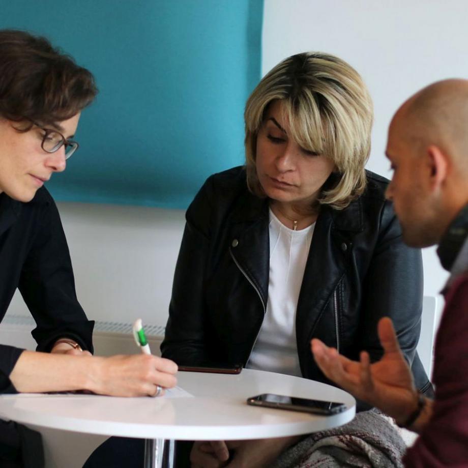 Neu in Deutschland: Texte werden gemeinsam erarbeitet