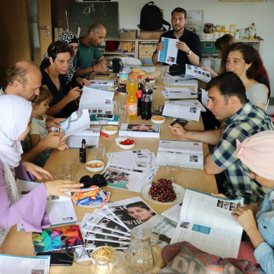 Neu in Deutschland im Gespräch über deutsche Medien und Lebenswelten