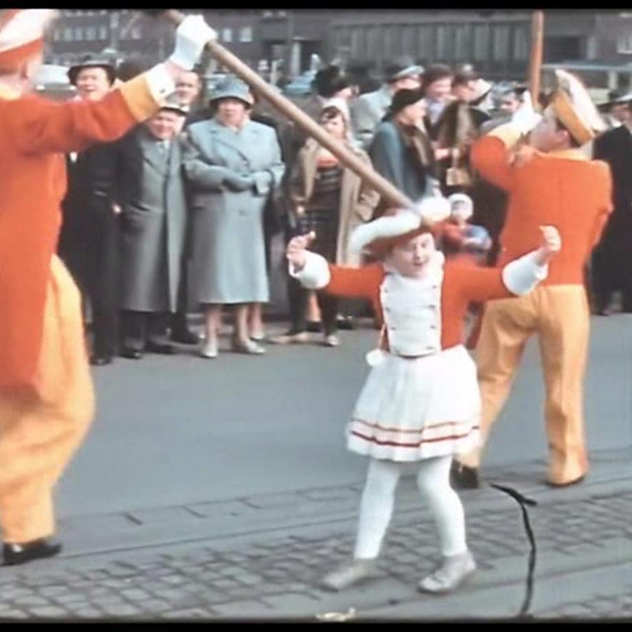 Filmstill aus einem Amateurfilm von Fritz Plückthun, BRD, 1960er, Normal 8. Foto: Archiv für Familien- und Amateurfilm des Ruhrgebiets