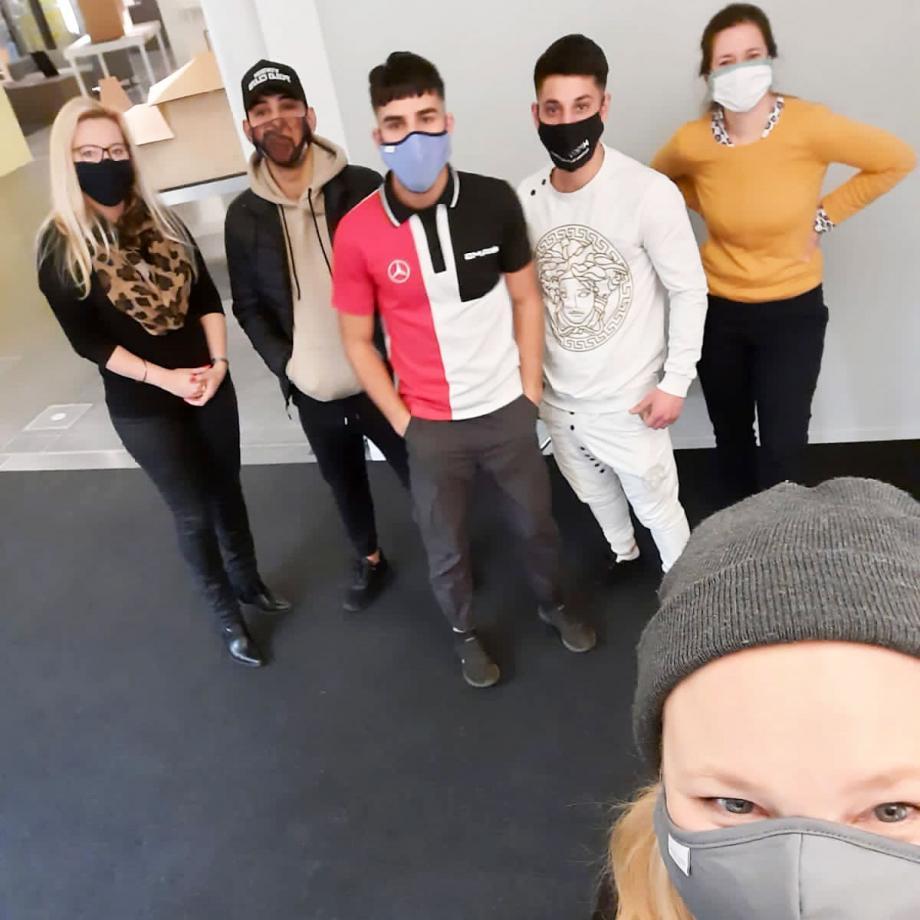 Olga Felker mit Elisabeta Peteanu, Stefan Raul, Vasile Siminoc, Cernat Siminoc und Jelena Löckner. Foto: Olga Felker