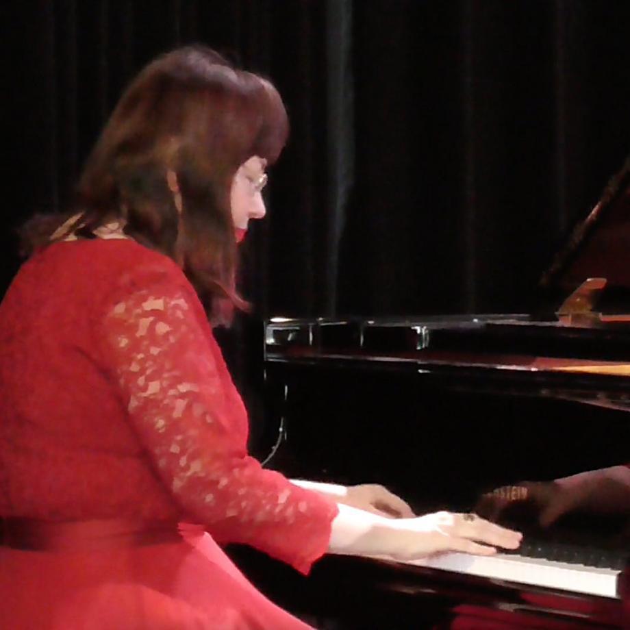 Rogneda Sergeyeva, Probe für das Konzert im Schloss Borbeck. Foto: Ljubov Jakovleva (© Rhein-Ruhr-Russland e.V.)