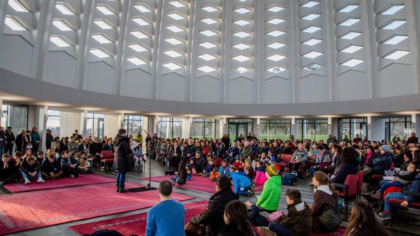 Bahái-Gemeinde im Haus der Andacht von Europa in Langenhain