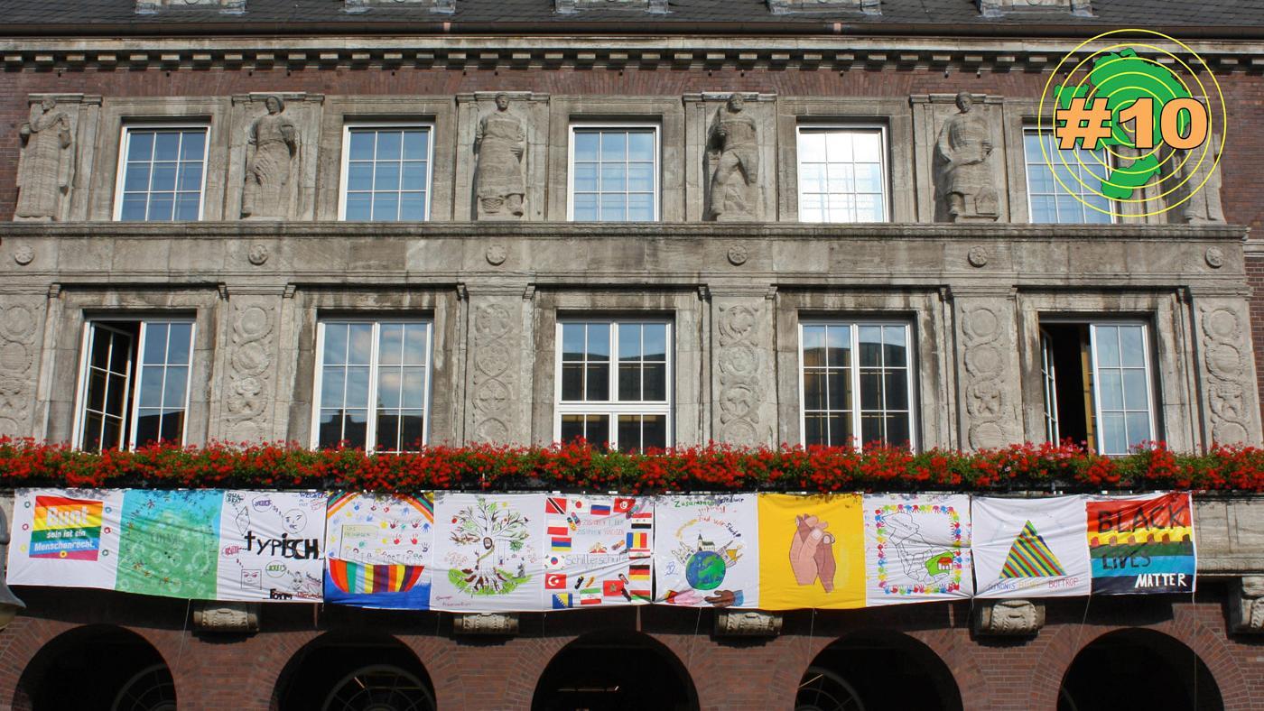 Banner am Bottroper Rathaus